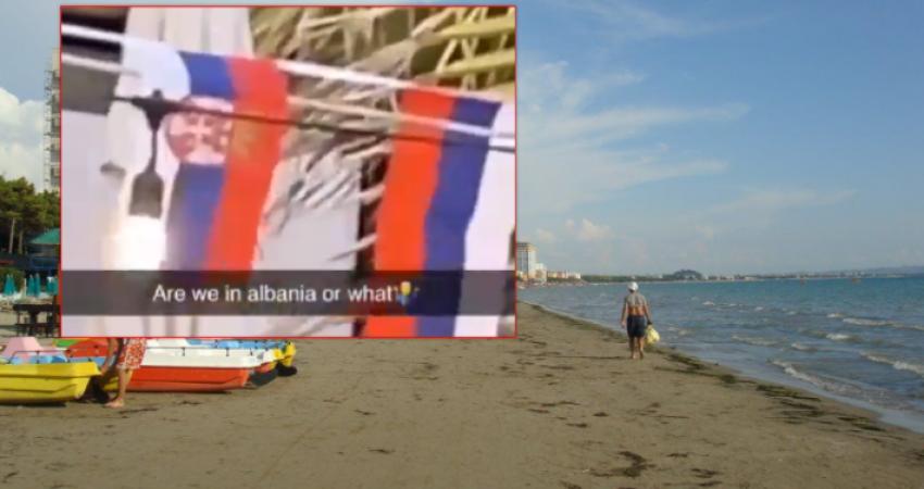 Irritohen kosovarët në Durrës  Një restorant atje vendos flamurin serb në hyrje